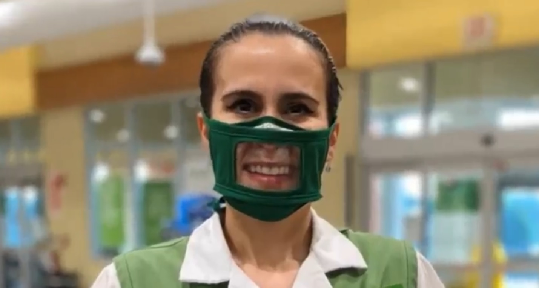 Gülümsemeyi  Gösteren Maske ile Engelliye Ulaşan Türk ABD'de Gündem Oluşturdu